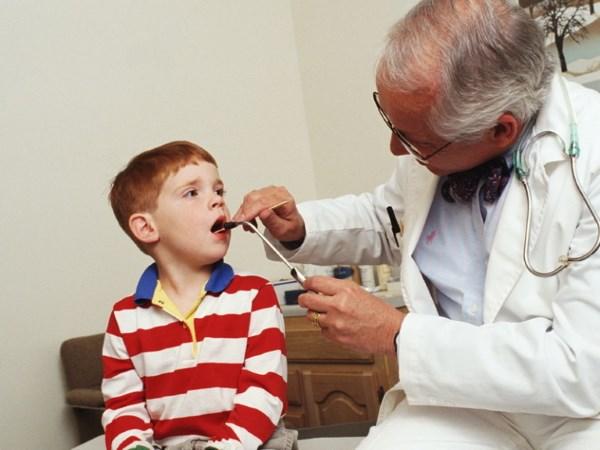 Хрип и кашель у ребенка как лечить комаровский
